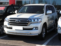Комплект защитных дуг на Toyota Land Cruiser 200