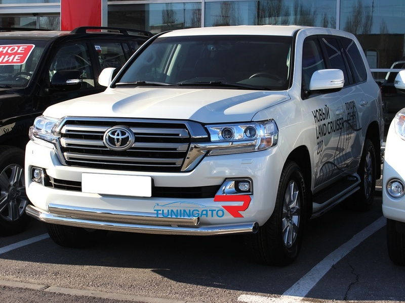 Комплект защитных дуг на Toyota Land Cruiser 200
