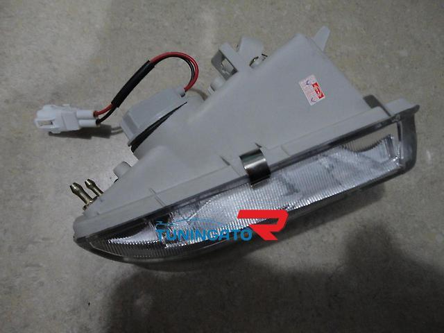 Противотуманные фары в бампер для TOYOTA IPSUM / PICNIC (1996-2001)