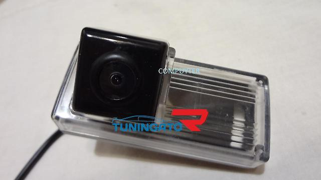 Штатная камера заднего хода Toyota Land Cruiser 100