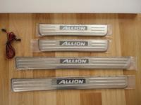 Накладки на пороги с подсветкой, синия, металические, для Toyota Allion 01-07, ZZT240