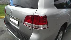 Реснички на стопы для Toyota Land Cruiser 200