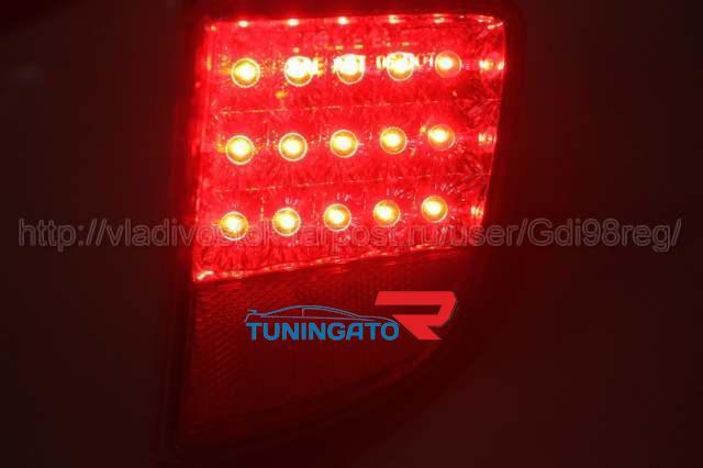 Стоп-сигналы бамперные светодиодные TOYOTA LAND CRUISER 200 (07-)