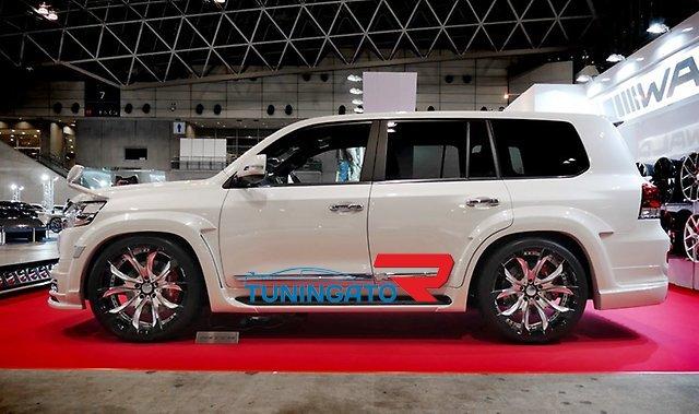Аэродинамический обвес WALD Sports Line для Toyota Land Cruiser 2015г.