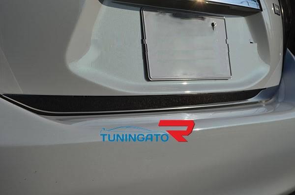 Хром накладка на заднию дверь для Toyota Aqua