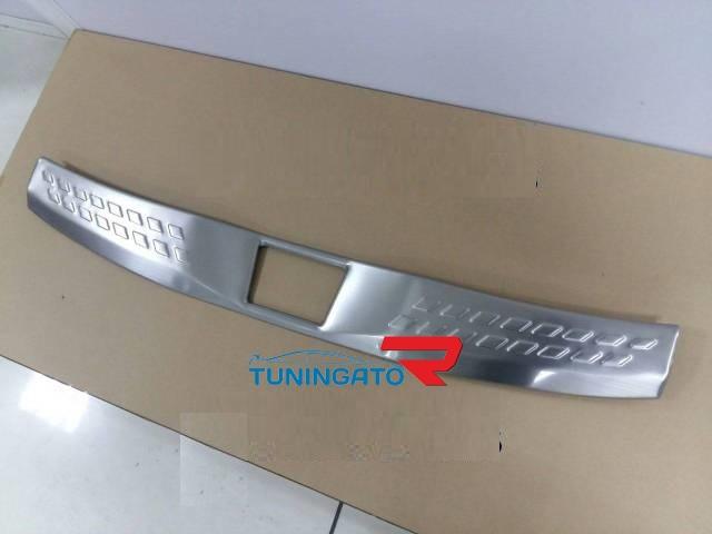 Накладки на задний бампер Toyota C-HR