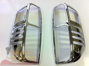 Хромированные накладки на задние стоп-сигналы для Nissan Navara 2005-