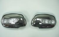 Хромированные накладки на зеркала с поворотниками на Toyota Hilux Vigo 2005г