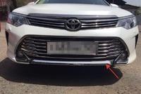Хром накладка на передний бампер для Toyota Camry 2015-