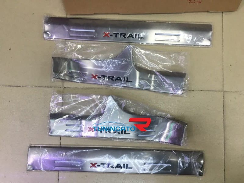 Хромированные накладки на пороги для X-Trail 2014г. NEW