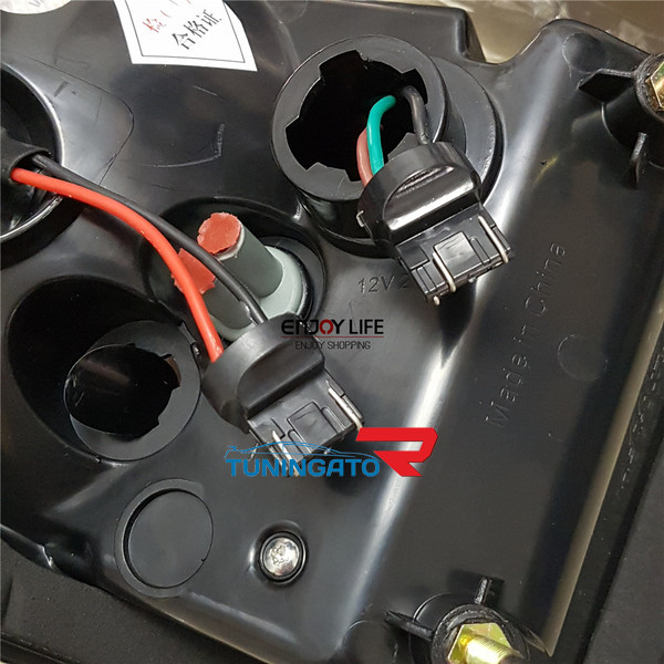 Стоп-сигналы в стиле Range Rover Evoque для TOYOTA FJ CRUISER