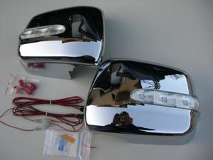Хромированые накладки на боковые зеркала с поворотником для TOYOTA Harrier