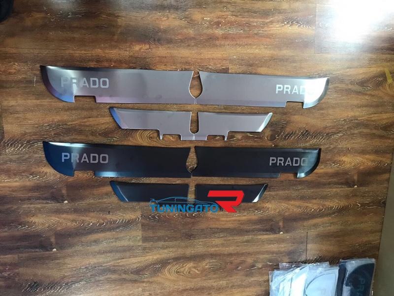 Защитные накладки на пластик двери для Land Cruiser Prado 150 (09-17г)