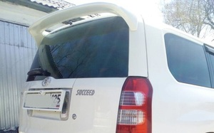 Спойлер на 5ю дверь верхний для Toyota Succeed\Probox