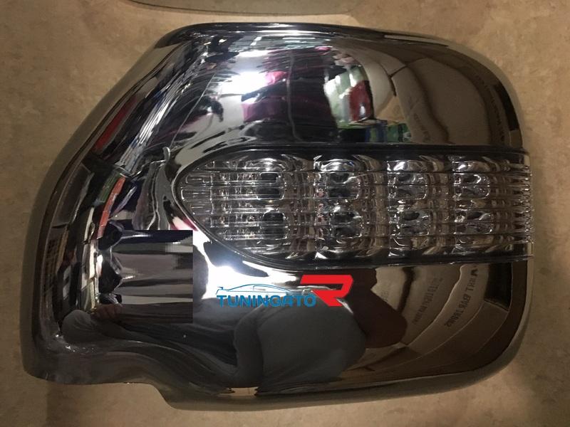 Хром накладки с поворотником на зеркала для Toyota Prado 97-02г.