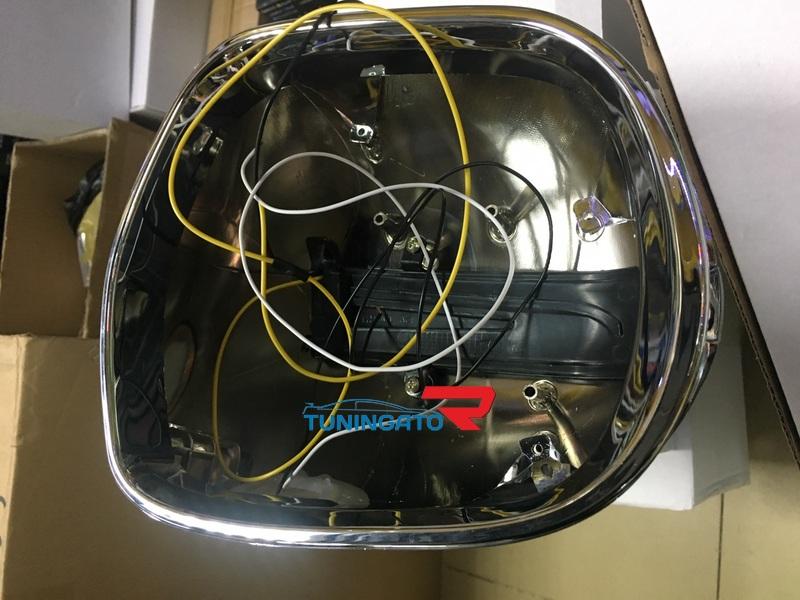 Хромированные корпуса с поворотником в стиле Mersedes для LEXUS GX470