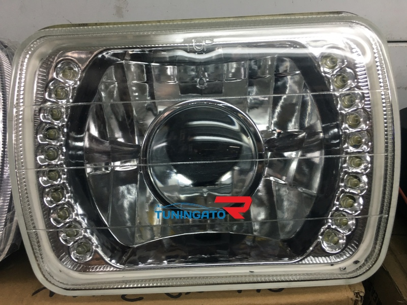 Фары с линзой, под хрусталь, с диодами для Toyota Hilux Pick Up 89-