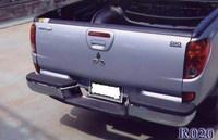 Бампер задний металлический R 020 MITSUBISHI TRITON / L-200