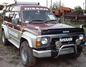 Дефлектор капота черный NISSAN SAFARI / PATROL (89-95)