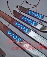 Хромированные накладки с подсветкой на порожки под боковые двери DHC-T09 TOYOTA BELTA / YARIS / VIOS (2006-)