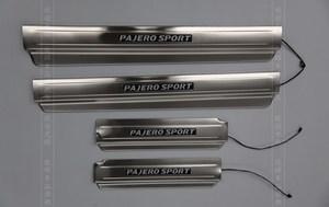 Накладки на пороги с подсветкой для MMC Pajero Sport 2008г.-