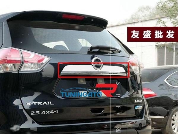 Хром накладка на заднию дверь для Nissan X-trail 32 2014-