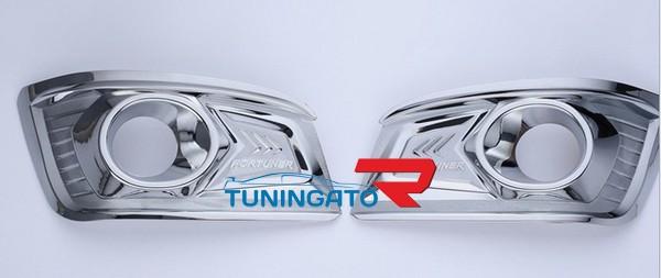 Накладки на туманки хром для Toyota Fortuner 2012-