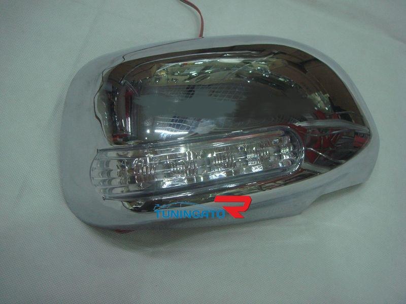 Хромированные накладки на зеркала Toyota Hilux 2012+