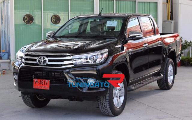 Хром молдинги боковые на двери для Toyota Hilux 2015+