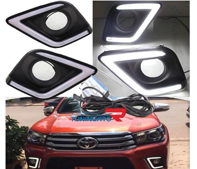 Ходовые огни в крышки под туманки для Toyota Hilux 2015+