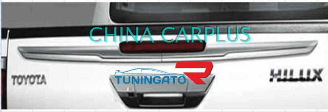 Хром молдинг на крышку кузова для Toyota Hilux 2015+