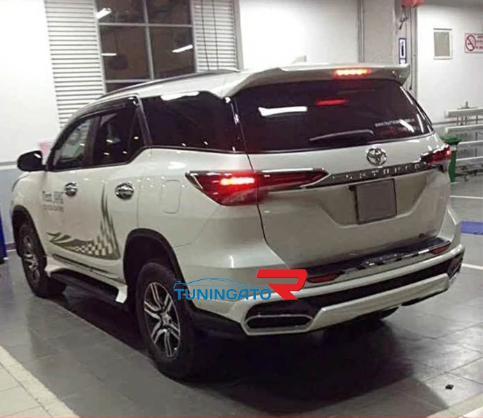 """Аэродинамический обвес """"Fortuna"""" для Toyota Fortuner 2015+"""