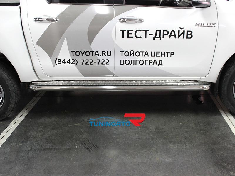 Подножки боковые пороги с листом 60мм для Toyota Fortuner 2015+