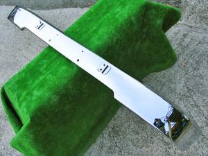 Хромированая накладка на передний бампер