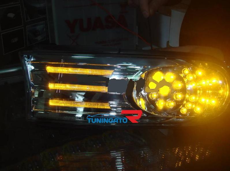 Поворотники светодиодные тюнинговые (хром) на TOYOTA FJ CRUISER