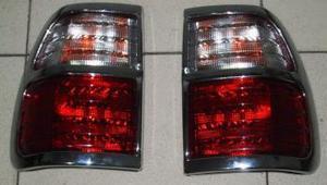 Хромированные накладки на стоп-сигналы 606 LAND CRUISER CYGNUS
