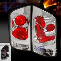 Стоп-сигналы красно-белые для Nissan Armada 04-10
